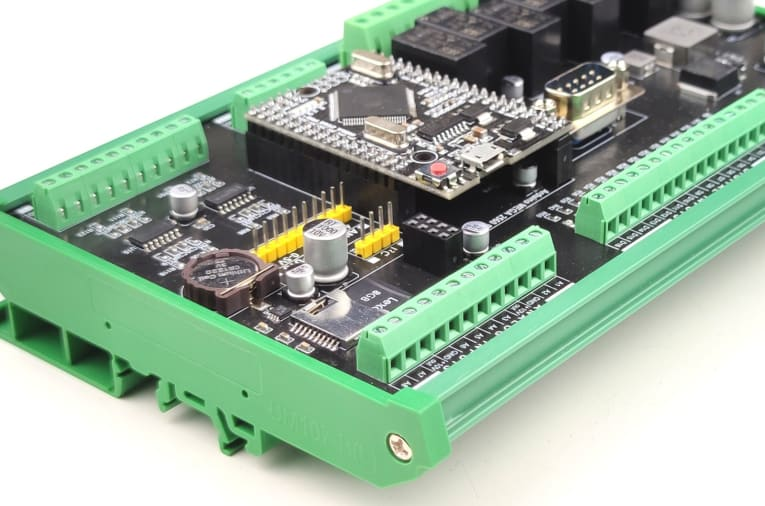 Fully-Featured Arduino MEGA 2560 compatible PLC