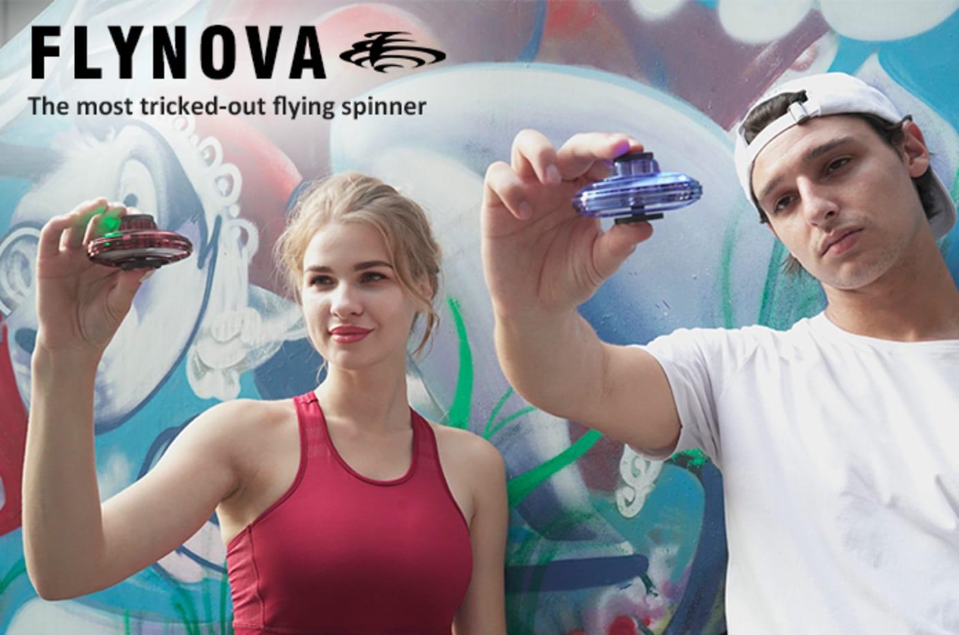 大流行の兆しあり。飛ばして当ててキャッチボールしてと様々な遊び方が生まれそうなフライング・スピナー「FlyNova」