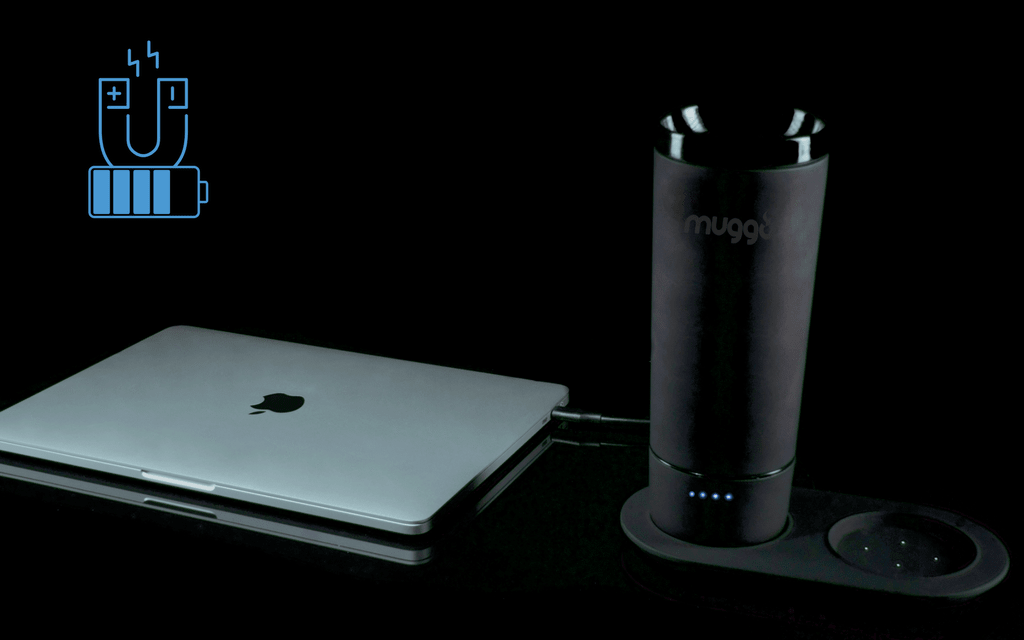 Just with one hand, one snap, you can connect the Muggo with its battery, and enjoy your warm coffee